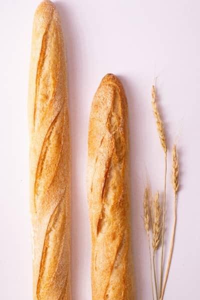 nybakad bröd